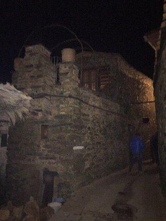 Pinofranqueado, España: Algo del exterior y del interior, mejor descubrirlo por uno mismo...