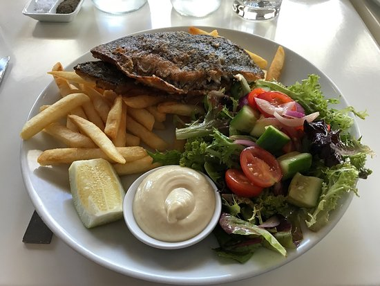 Balgowlah, ออสเตรเลีย: Well presented fish meals to suit everyone