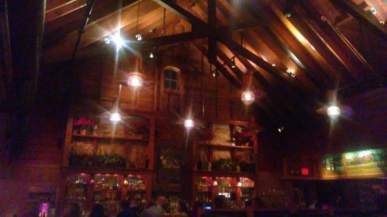 Morris Plains, Нью-Джерси: Raftered room at Tabor Tavern