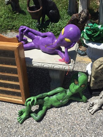Catonsville, MD: custom-made concrete garden statues