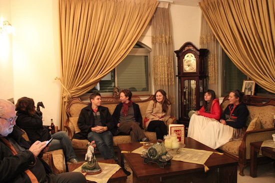 Khouriya Family Guesthouse: Our squad relaxing in the Khouriya living room.