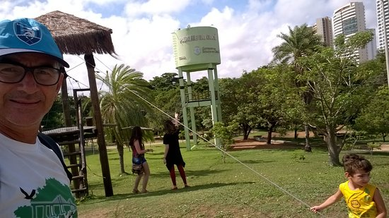 Coco Park : Área com circuito de arvorismo. Aberto aos domingos.