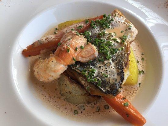 Courseulles-sur-Mer, França: Avons pris le menu dégustation pour notre anniversaire de mariage repas excellent mérite le déto