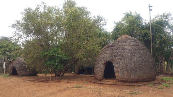 Mkuze, Sudáfrica: Zulu huts