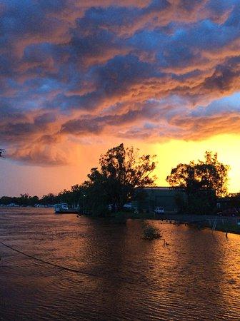 Morgan, Australien: Storm approaching