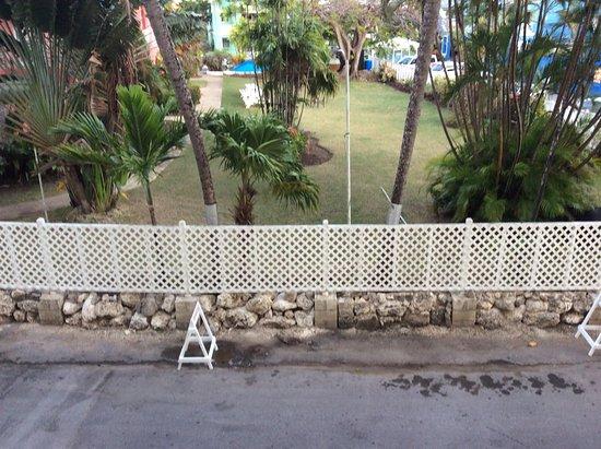 Ocean Two Resort & Residences: Room 210B noises extractor fan