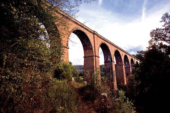Das Himbächel Viadukt im Ortsteil Beerfelden-Hetzbach ist eine Meisterleistung deutscher Ingenie