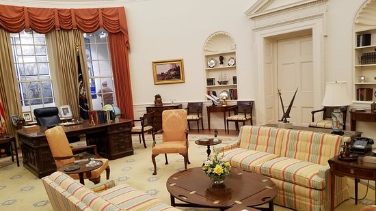 Gerald R. Ford Museum: White House Replica