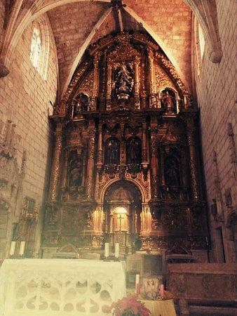 Colegiata de San Cosme y San Damián - Picture of Colegiata de San Cosme y San...