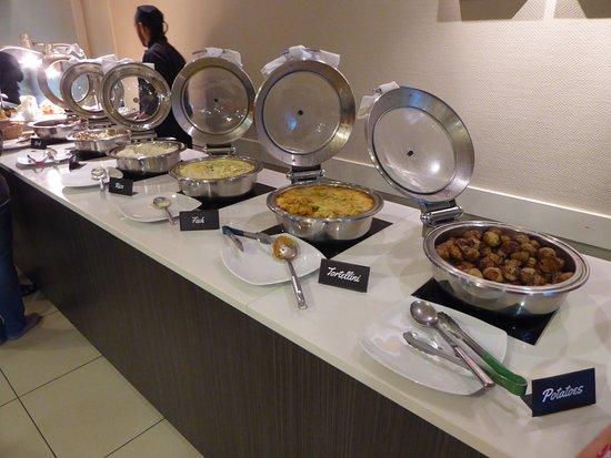 Sudima Hotel Lake Rotorua: Buffet Dinner