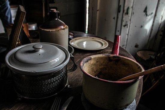 Montrose, CO: Cabin plates