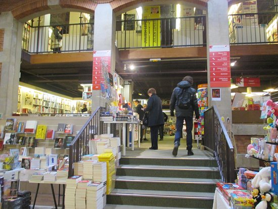 Foyer Grand Sauvoy Nancy : Hall du livre nancy alles wat u moet weten voordat je