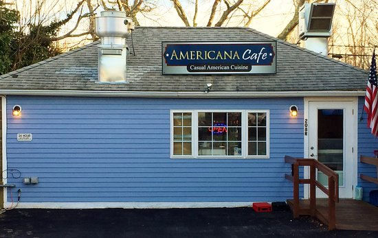 Wareham, MA: Americana Cafe Outside