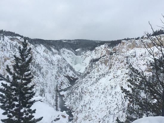 Gardiner, MT : Beautiful Grand Canyon of Yellowstone