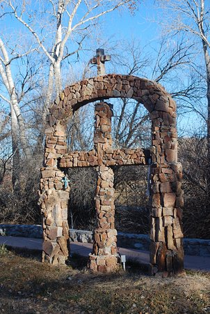 Chimayo, Nowy Meksyk: The back garden path