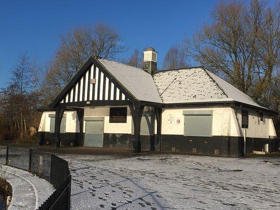 Boggart Hole Clough : Nice quiet decent size park, enjoy walking around the lake.