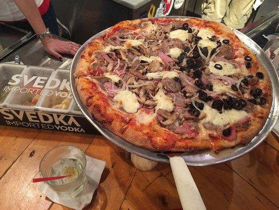 16 Inch Pizza Picture Of Sal S Neighborhood Pizzeria Saint Simons Island Tripadvisor