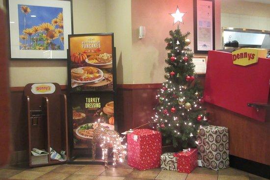 Milpitas, CA: Christmas Tree, Denny's, Mil[pitas, CA