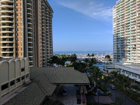 Grand Waikikian by Hilton Grand Vacations: IMG_20170114_090155_large.jpg