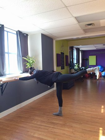 Sicamous, Canada: We offer Barre Classes
