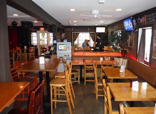Courtenay, Canadá: MAIN DINING AREA