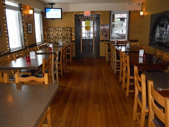 Courtenay, Canadá: OVERFLOW DINING AREA