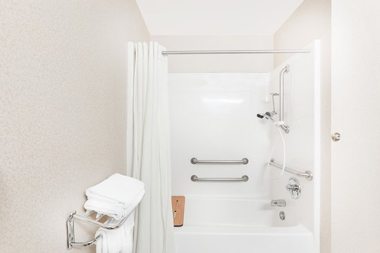 Super 8 by Wyndham Searcy AR: ADA Accessibility Bathroom
