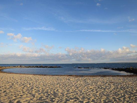 Beachside Village: Beach