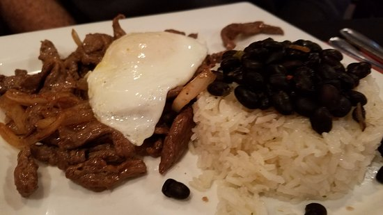 Chester, MD: lunch special with carne, black beans, fried egg, and rice