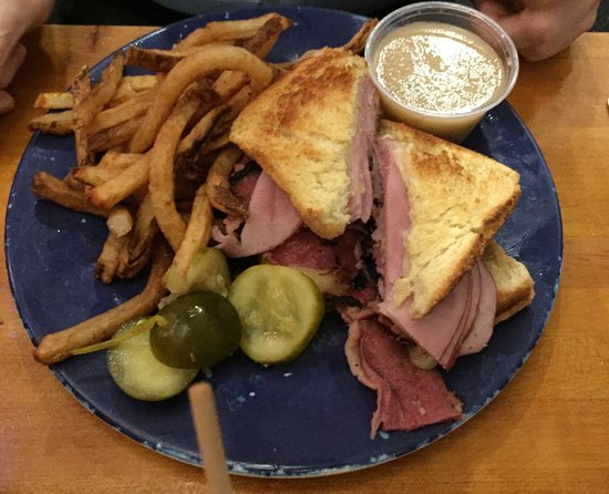 Akron, OH: Great deli food
