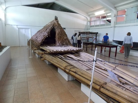 Suva, Fiji: Canoe in the museum
