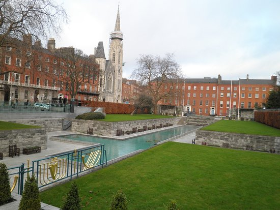 Garden of Remembrance: Very well maintained and a tranquil spot in the heart of the city centre.
