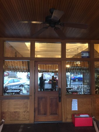 Ballston Spa, NY: The Whistling Kettle
