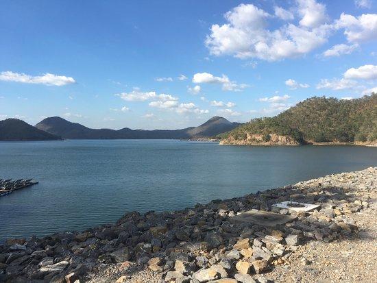 Khuean Srinagarindra National Park: Blick auf den Stausee