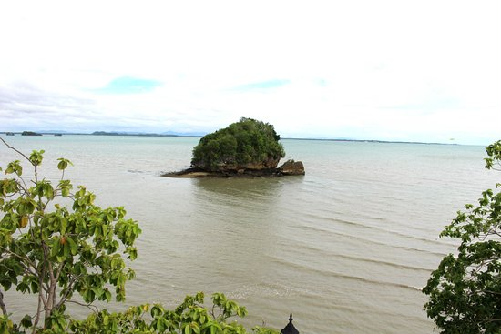 Guimaras Island, Filippine: the actual Roca Encantada as seen from the viewing terrace