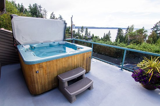 ‪‪Burien‬, واشنطن: Private Jacuzzi Hot Tub on your own private deck.  No sharing with other guests.  ‬