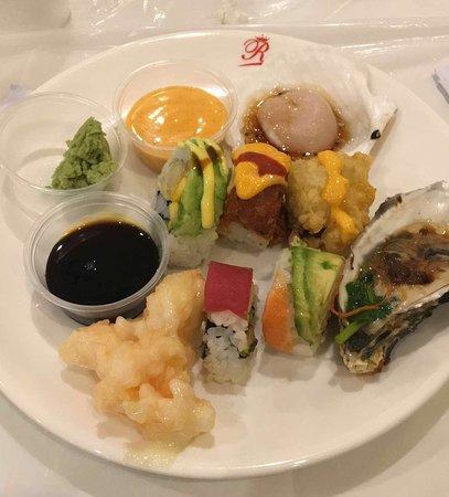 Hoffman Estates, IL: Sushi - great assortment