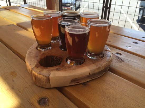 Missoula, MT: Very cool looking taster trays
