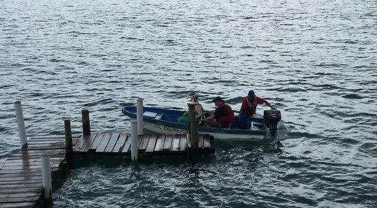 Carenero Island, Panama: catching the water taxi to Bocas Town