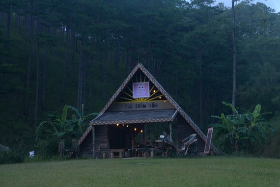 Lam Dong Province, เวียดนาม: coffee shop in village