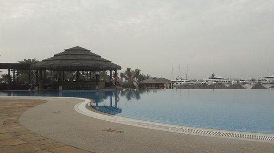Le Meridien Mina Seyahi Beach Resort and Marina: 20170121_171555_large.jpg
