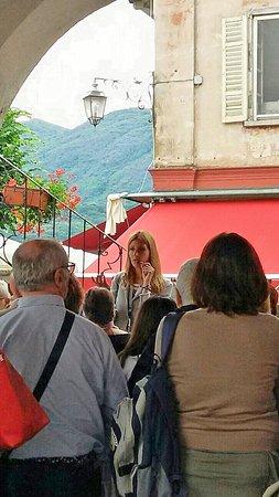 Orta San Giulio, Italia: visita piazza Motta