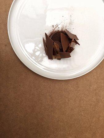 Waverley, Australia: Chocolate & hazelnut dessert