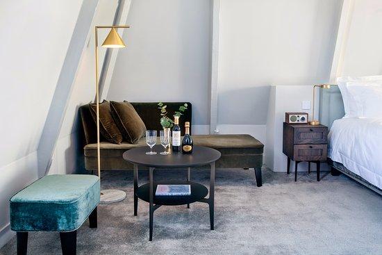 Pillows Anna Van Den Vondel Updated 2018 Prices Amp Hotel