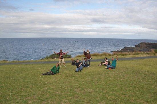 Kiama, Australia: Pemandangan ke arah laut dari halaman mercusuar ANZAC