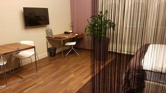 City Park Hotel & Residence: 20170120_222756_large.jpg