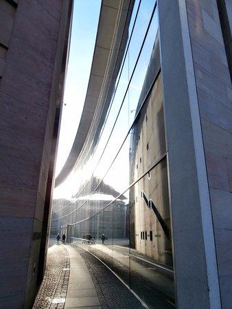Hotel garni Probst: Neues Museum, con le sue avveniristiche linee
