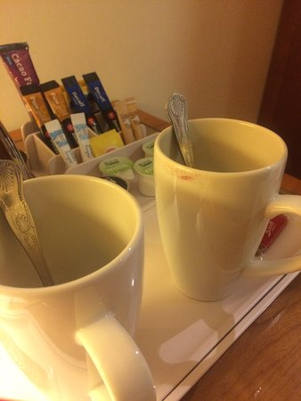 The Derbyshire Derby: Lipstick marks on the mug in my room