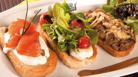 Station Hotel: Trio of bruchetta fresh and tasty