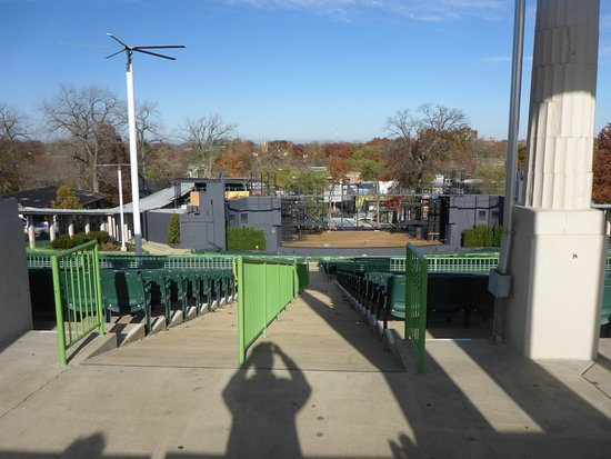 The Muny : Seating & Stage